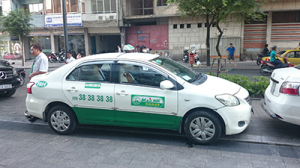 英語が伝わらないことも多いタクシー